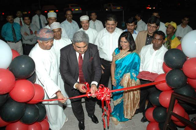 His Excellency, Ambassador of India to Oman, Mr. Anil Wadhwa inaugurating the first Khimji's Mart - Khana Khazana fast food outlet at MBD